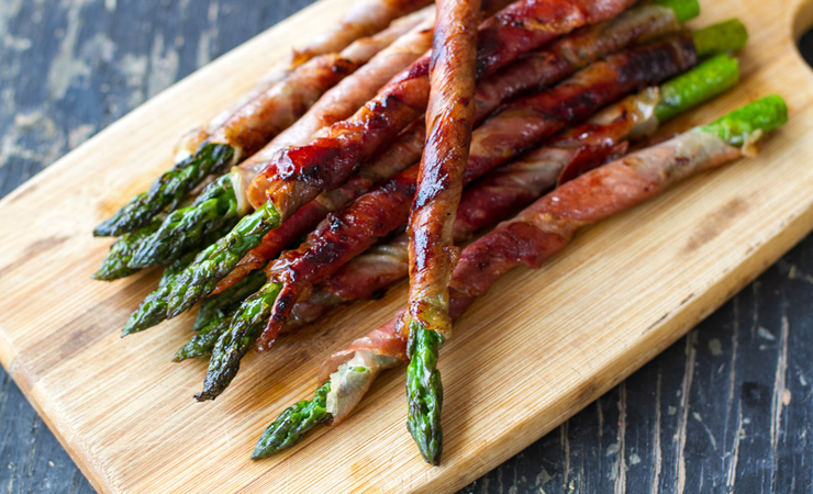 27 reasons Italian food is the worst - prosciutto asparagus